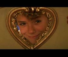 This photo is the cutest photo ever of Jeremy Sumpter from him staring as Peter Pan from the movie of the same name from Peter Pan 2003, Peter Pan Movie, Peter Pan Disney, Jeremy Sumpter Peter Pan, Peter Pan Wallpaper, The Kings Of Summer, Jm Barrie, Ghost World, Young Cute Boys
