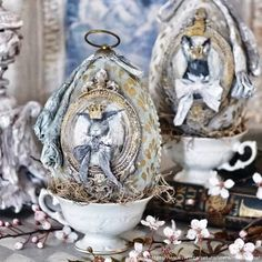 Some of these images are my own, the others display a beauty that I want to share and I have credited the artist where I could. If I have posted your photo without proper credits, please contact me. Egg Crafts, Easter Crafts, Decor Crafts, French Style Decor, Crochet Angels, Easter Season, Easter Projects, Faberge Eggs, Egg Art