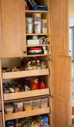 Nice for a small kitchen pantry. With roll out shelves.
