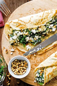 Inspired by the classic Greek dish, this delicious savoury spin on traditional pancakes is an exciting new way to fill you pancakes with Mediterranean flavour. | Tesco