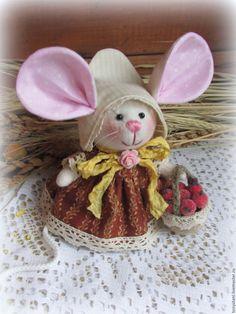 Купить Мышка - малышка с большими ушами Клюковка - мышка, мышь, мышонок, мышки, мыши, мышата