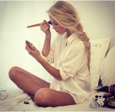 Loveee Long Blonde Hair!! And the simple and cute look. Gorgeous.