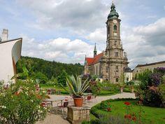 Stift Zwettl Heart Of Europe, Das Hotel, Vienna Austria, Kirchen, San Francisco Ferry, Hungary, Mansions, House Styles, Building