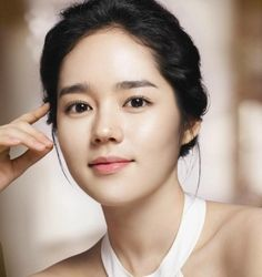 she is one of the most beautiful women in the world. Her brows are the best for her face shape :) her name is han ga-in Korean Makeup Look, Korean Makeup Tips, Korean Beauty, Asian Beauty, Beauty Secrets, Beauty Hacks, Beauty Tips, Bh Entertainment, Straight Eyebrows