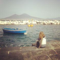 """""""Mi piace"""": 14, commenti: 2 - Marianna Berno (@ikigaii) su Instagram: """"Quante cose che ha da dire il mare. Se solo la gente si fermasse ad ascoltare... #girl #me #naples…"""""""