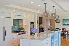House of Turquoise: Polhemus Savery DaSilva.  Love this whole house, but especially the kitchen