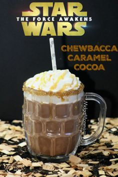 This amazing Chewbacca Caramel Hot Chocolate is made with Ghirardelli chocolate and Ghirardelli caramel. The combination is inspired by Chewbacca from the amazing Star Wars Movies. Just like the Star Wars movies, this Caramel Hot Chocolate is Non Alcoholic Drinks, Fun Drinks, Yummy Drinks, Beverages, Disney Drinks, Star Wars Essen, Oreo Dessert, Dessert Recipes, Star Wars Food