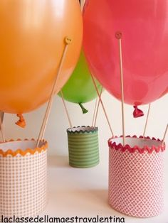 hot air balloon party favors or centerpieces Hot Air Balloon Centerpieces, Party Centerpieces, Balloon Decorations, Party Favors, Diy Birthday, 1st Birthday Parties, Ballon Crafts, Fete Emma, Diy For Kids