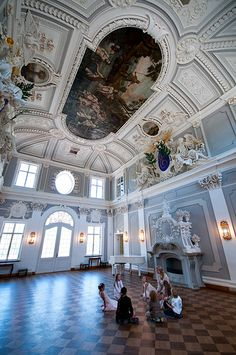 Kadriorg palace (Tallinn, Estonia).- Courtesy of Estonian Experience - Private Tallinn Tours & Baltic Tours - #Tallinn #Estonia - http://estonianexperience.com