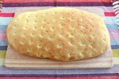 Il pan focaccia è una via di mezzo tra un pane e una focaccia,un impasto soffice e saporito, la ricetta proviene da un bellissimo