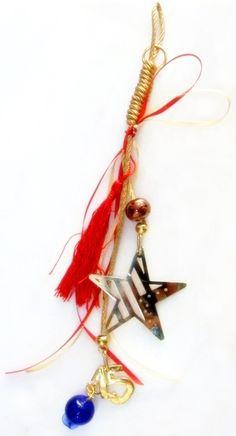 Χειροποίητα γούρια 2015 απο ορείχαλκο κοσμηματοποιίας σε ματ ή γυαλιστερές αποχρώσεις, δεμένα με σατέν κορδόνι και κορδέλες. Tassel Necklace, Drop Earrings, Jewelry, Fashion, Moda, Jewlery, Jewerly, Fashion Styles, Schmuck
