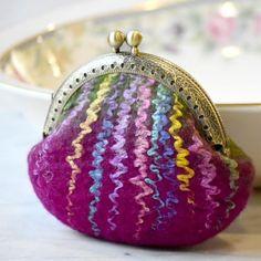 Wool Felted Coin Purse Kiss Lock Pouch in Raspberry Green 12783 Felt Purse, Coin Purse, Felt Bags, Handmade Purses, Handmade Felt, Knitting Accessories, Change Purse, Wet Felting, Stitch Markers