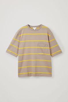 Discover our summer collection of T-shirts for men: wardrobe essentials designed to last. Explore round-neck, striped and long-sleeved styles in jersey and cotton, online now. Cos Man, Latest Clothes For Men, Dark Beige, Cool Patterns, Menswear, Stripes, Man Shop, Mens Tops, T Shirt