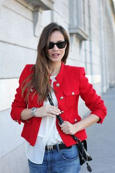 Amazing Outfit Combination For Red Blazer With Jeans 28 Red Blazer Outfit, Blazer Fashion, Fashion Outfits, Urban Chic, Outfit Vestido Rojo, Trench Coats, Cool Outfits, Casual Outfits, Blazer With Jeans