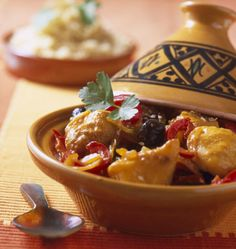 Monkfish tagine with sesame seeds – Moroccan cooking recipes Middle East Food, Middle Eastern Recipes, Tagine, Morrocan Food, Eastern Cuisine, Pasta, Fish Dishes, International Recipes, Couscous