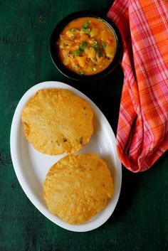 Masala poori or tikhi puri with masala, is a tasty, vegetarian North Indian breakfast item. Learn how to make spicy puri recipe with potato curry or bhaji Puri Recipes, Indian Food Recipes, Vegetarian Recipes, Ethnic Recipes, Samosa Recipe, Masala Recipe, Breakfast Recipes, Snack Recipes, Snacks