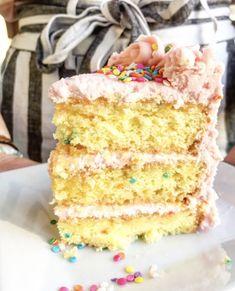 Ozma's Confetti Cake with Pink Vanilla Buttercream Love Chocolate, Chocolate Frosting, Chocolate Cake, Vanilla Buttercream, Vanilla Cake, Pink Birthday Cakes, Confetti Cake, Cake Bars, Eat Cake