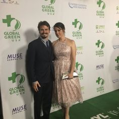 Jason Ritter with Melanie Lynskey on the green carpet, made by Aquafil's sustainable ECONYL® nylon and manufactured by Milliken, at the Green Pre-Oscar® Party.