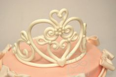 How to make a sugarpaste tiara (In italian)