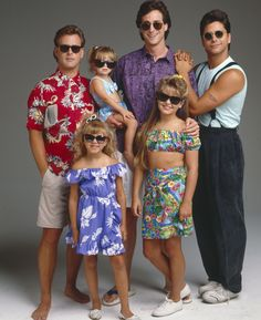 "Watch the ""Full House"" Cast Reunite and Sing the Show's Theme Song -Cosmopolitan.com"