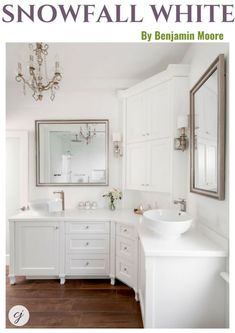 Looking for the perfect white paint colour for your home? See how Benjamin Moore's Snowfall White transformed this bathroom Corner Vanity, House Design, Bathroom Inspiration, Vanity Design, Bathroom Corner Cabinet, Bathrooms Remodel, Corner Bathroom Vanity, L Shaped Bathroom, Bathroom Vanity Designs