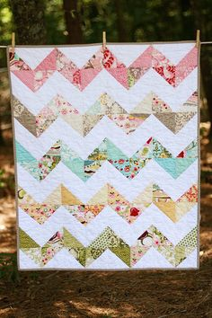 Zig zag quilt. Made with hunky dory quilt fabric. Love this fabric!