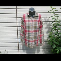 "Ralph Lauren Plaid Beautiful blend of colors! 2 breast pockets. Sleeves can be rolled & buttoned for a tidy 3/4 look. Measured flat 18"" across bust 25"" long  On 30"" x 23"" x 30"" mani 55% linen 45% cotton Ralph Lauren Tops Button Down Shirts"