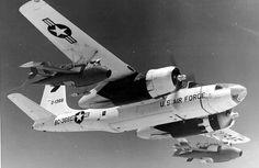 DB-26Cインベーダー(DB-26C Invader)。アメリカで開発されたA-26C (B-26C)インベーダーなる航空機の派生型の一つ。Q-2Aターゲットドローンを搭載しての対空訓練のサポートに使用可能とのこと。