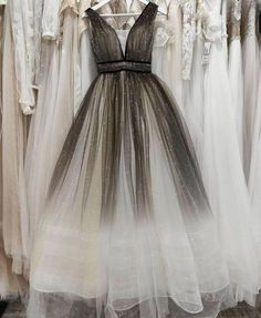 Fashion v neck tulle formal prom dresses long evening gowns UH439