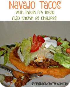 Recipe: Navajo Tacos with Indian Fry Bread, Also Known as Chalupas! - Everything Mommyhood american food recipes dinners Recipe: Navajo Tacos with Indian Fry Bread, Also Known as Chalupas! Indian Taco Recipes, Beef Recipes, Mexican Food Recipes, Cooking Recipes, Copycat Recipes, Dinner Recipes, Spanish Recipes, Wrap Recipes, Entree Recipes