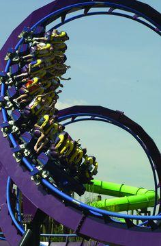 Batman – The Dark Knight train at Six Flags New England.