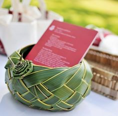 Hand woven palm frond bowls are nice touches for tropical weddings