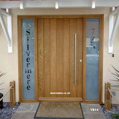 contemporary oak vertical boarded door and frame with sidelights Oak Front Door, Front Doors With Windows, Double Front Doors, Front Door Design, Grey Interior Doors, Modern Exterior Doors, Entrance Doors, Patio Doors, External Oak Doors