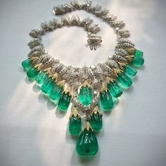 This week we are joyously celebrating all things green with at David Webb. This stunning emerald and diamond necklace doesn't disappoint. Maybe you recognize it from the December as worn by styled by and shot by Emerald Jewelry, High Jewelry, Diamond Jewelry, Jewellery Rings, Emerald Diamond, Jewlery, Jewelry Accessories, Bridal Jewelry, Beaded Jewelry