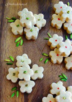 Shirini Nokhodchi | Persian Roasted Chickpea Cookies