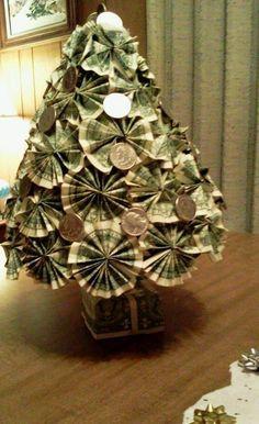 Money gift - Christmas tree - Christmas gift - - - Christmas money tree for kids Diy Christmas Gifts, Christmas Projects, Holiday Crafts, Christmas Holidays, Christmas Decorations, Origami Christmas, Christmas Ideas, Tree Decorations, Dollar Bill Origami