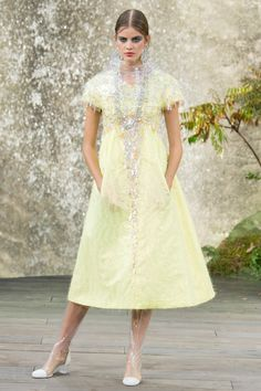 Chanel Spring 2018 Ready-to-Wear  Fashion Show Collection