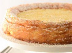Pasca se face în Joia Mare. Este pâinea cea mai aleasă a anului. Pe vremuri, în bucătăriile sărmanilor, unde nu era brânză, se folosea o mână de mălai mărunţel, fiert în lapte dulce. Cea mai răspân...