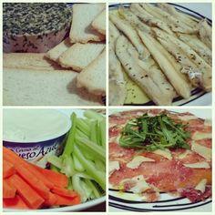 Hoy la cena está #riconuda... #Boquerones en vinagre. #Crudites (zanahoria y apio) con queso azul. #Paté de pato a las finas hierbas. #Carpaccio de lomo ibérico con parmesano.