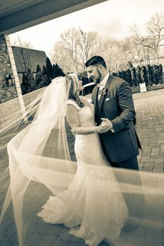 #happycouple #dance #bride #groom #veil #weddingday #marriage #photography #anthonyziccardistudios