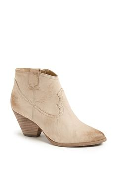 Free shipping and returns on Frye 'Reina' Bootie at Nordstrom.com. A blocky heel and almond toe amp up the versatility of a Western-inspired bootie, made even easier with a slick side zip. Bench-crafted by hand, Frye's 150-year-old heritage of quality leatherwork is evident in every style.