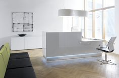 White Linea reception desk