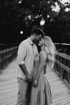 Cute Couple Poses, Photo Poses For Couples, Couple Picture Poses, Couple Photoshoot Poses, Cute Couples Photos, Couple Photography Poses, Cute Couple Pictures, Couple Shoot, Family Photos