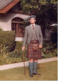 1 Kilt 10 Looks : A Visual Guide to Formality in Highland Attire - Page 14
