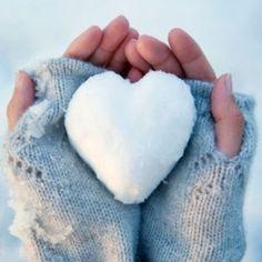 Make a snow heart-selfie for him! #Lovemark #Selfie