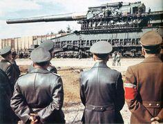 Adolf Hitler et Albert Speer devant un Canon sur rail (80 cm Kanone (E) Schwerer Gustav DORA) | Flickr - Photo Sharing!
