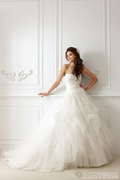 Brilliant A-line Strapless Sleeveless Floor-Length Appliques Wedding Dresses