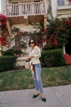 White checked blouse+distressed jeans+green bows sling-back pumps+raffia handbag+black sunglasses+orange and white striped neck scarf+earrings Spring Dressy Casual Outfit 2018 Casual Outfits 2018, Best Fashion Blogs, Fashion Bloggers, Song Of Style, Spring Outfits Women, Spring Street Style, Blouses For Women, Cool Style, Fashion Outfits