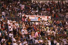 Honduras:  Miles de feligreses llenan el estadio de misericordia  Más de 10,000 católicos participaron en la vigilia diocesana para concluir el Año de la Misericordia. Emocionados por cerrar un año de muchas actividades se mostró la feligresía que desde muy temprano abarrotó el estadio Olímpico Metropolitano.