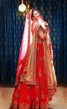 Indian Traditional Bridal Beauty in Bright Red Lehenga Red Lehenga, Indian Bridal Lehenga, Indian Bridal Outfits, Indian Bridal Wear, Indian Dresses, Bridal Dresses, Lehanga Bridal, Bridal Poses, Bridal Photoshoot
